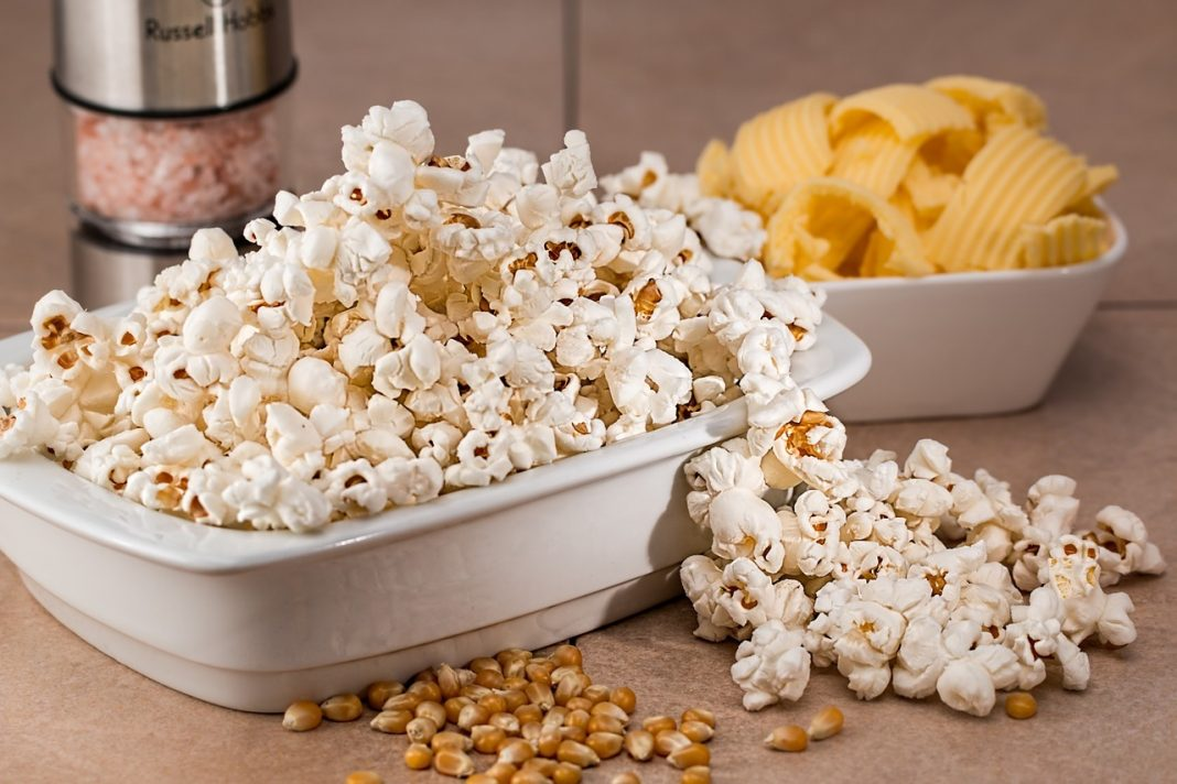 Top 9 Best Popcorn Makers 2018