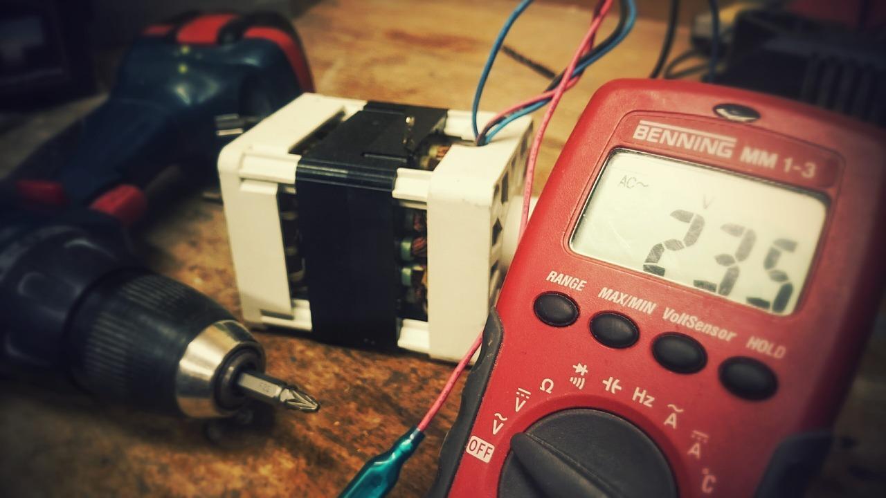 test speaker with multimeter